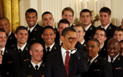 Obama presents Commander-in-Chief trophy to 2008 Naval Academy Football Team